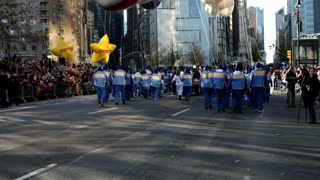Sonic balloon tilt from street to sky