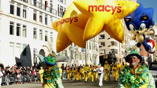 Sonic float at beginning of Macy's parade