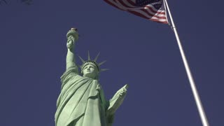 Statue of Liberty replica at NY NY hotel in Las Vegas 4k