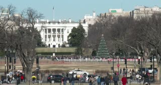 The front of the White House during christmas 4k