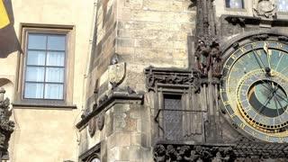 The Prague astronomical clock pan shot