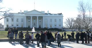 Tourists visiting Washington DC and the White House 4k