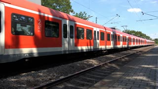 Train departing stop in Frankfurt-Nied 4k