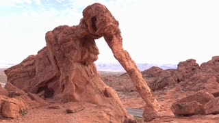 Valley of Fire Elephant Rock establishing shot 4k