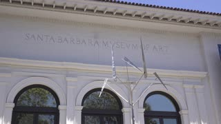Art exhibit on exterior of Santa Barbara Museum 4k