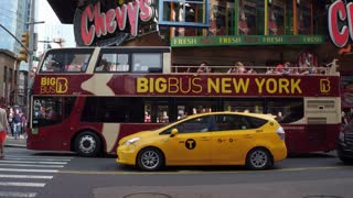 Big Bus tours in New York downtown Theater District 4k