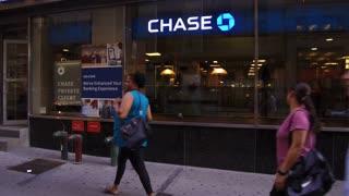 Chase Bank exterior establishing shot in downtown Manhattan