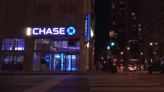 Chase Bank exterior evening establishing shot in downtown Chicago 4k