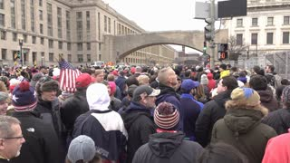 Crowd in line to enter National Mall for Trump Inauguration 4k