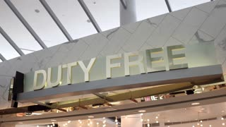 Duty free store front in Philadelphia airport 4k