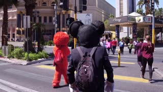 Elmo and Mickey Mouse street performers in Las Vegas 4k