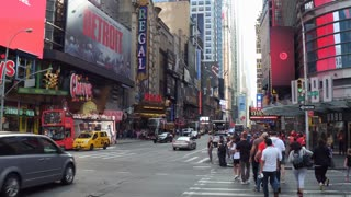 Establishing shot of Theater District in downtown NYC 4k