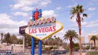 Establishing shot of Welcome to Las Vegas sign 4k