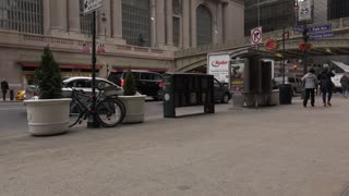 Exterior Grand Central Station establishing tilt shot daytime 4k