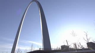 Famous St Louis Arch in downtown of city 4k