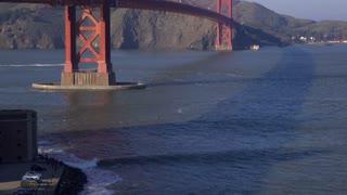 Golden Gate Bridge tilt establishing shot 4k