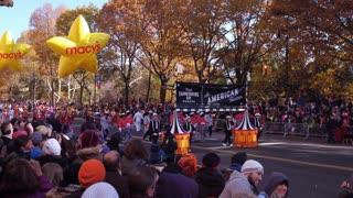 Macys Yellow Star Balloons In 91st Parade 2017 4 K