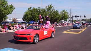 Mickey and Mini Mouse in Corvette for 4th of July Parde 4k