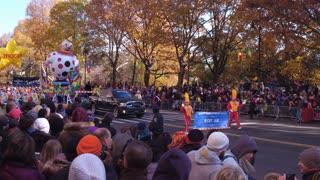 Nicky Jam in 91st Macys Thanksgiving day parade 4k