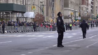 NYPD standing guard along 90th Macys Parade route 4k