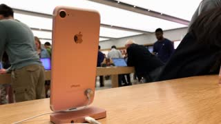 Rose Gold iPhone 7s for sale at Apple store