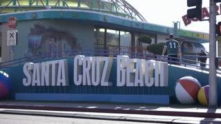 Santa Cruz Beach entrance to Boardwalk 4k