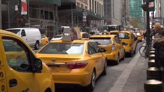 Taxi line up in front of Grand Central Terminal NYC 4k