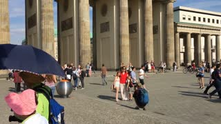 Tourists visiting the Brandenburger Tor