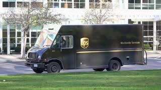 Ups Worldwide Services Truck Dropping Off Package At San Francisco Business 4k