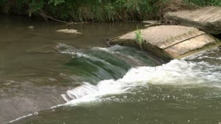 Water flowing through creek