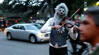 Wolfman howling with Violin at Mardi Gras 2012