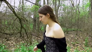 Woman dressed in Renaissance period clothing tracking shot 4k