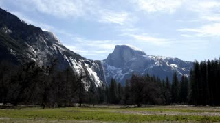 Yosemite mountains with Half Dome in center