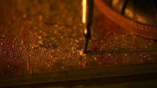 Carpentry - tighten the screw