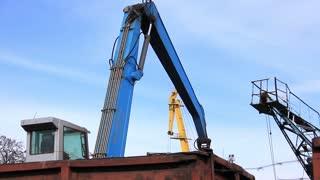 Loading depot. Loading of scrap metal