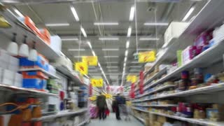 Time Lapse 1080p with fast blur: buyers in supermarket