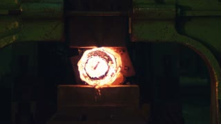 Pressing of molten iron at the plant