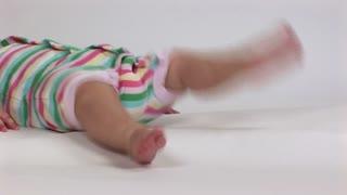 baby legs kicking 2