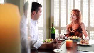couple having dinner converstion