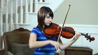 dolly girl playing violin