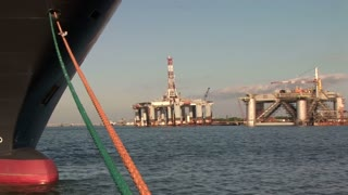 ship rig pan in Galveston bay