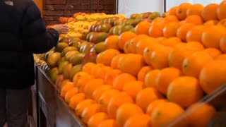shopping for oranges