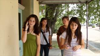 steadicam teens walking on cell
