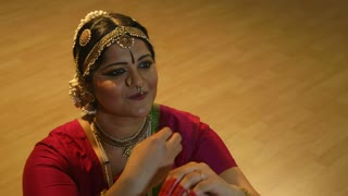 traditional Indian dance focus on hand movement