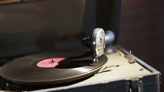 Vintage Crank Phonograph Playing A Record 4 K