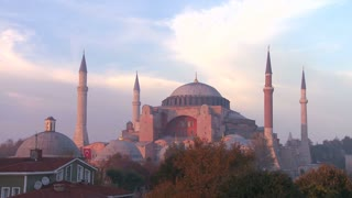 A beautiful shot of the Hagia Sophia Mosque in Istanbul, Turkey, at dusk.