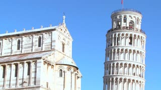 Close up of the basilica and leaning tower of Pisa.