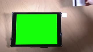 4K Credit Card Swipe Green Screen iPad 3948