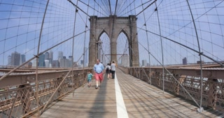 4K POV Walking Across Brooklyn Bridge