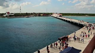 Cozumel Tourists Leaving Ship
